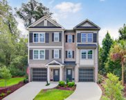 320 Etiwan Pointe Drive, Mount Pleasant image