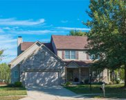 7252 Clear Oak  Circle, Noblesville image