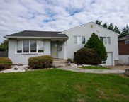 5 Cambria Rd, Syosset image