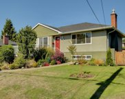 1694 Donnelly  Ave, Saanich image