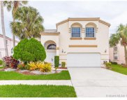 667 Nw 155th Ter, Pembroke Pines image