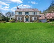 135 Abbey Road, Manhasset image