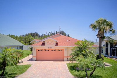 Sabal Springs Home on Private Lot