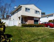 261 Chelsea  Avenue, W. Babylon image
