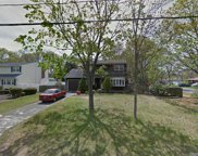 32 Morris Ave, Patchogue image