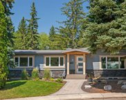 16 Holden Place Sw, Calgary image