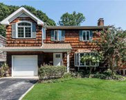 7 Private  Road, Bayville image