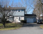 5056 Mohawk, North Whitehall Township image
