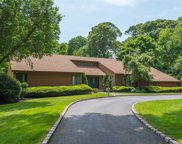 16 Middle Hollow Rd, Lloyd Harbor image
