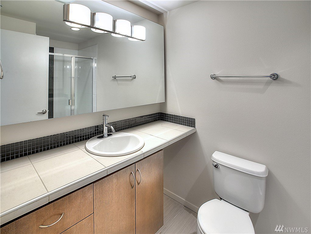 wood flooring bathroom 15212 ne 81st wy unit 104 redmond wa 98052 mls 1043420 15212