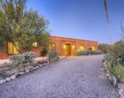 5435 N Via Entrada, Tucson image