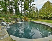9 Earle  Drive, Muttontown image