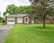 6904 Green Manor Dr, Louisville image