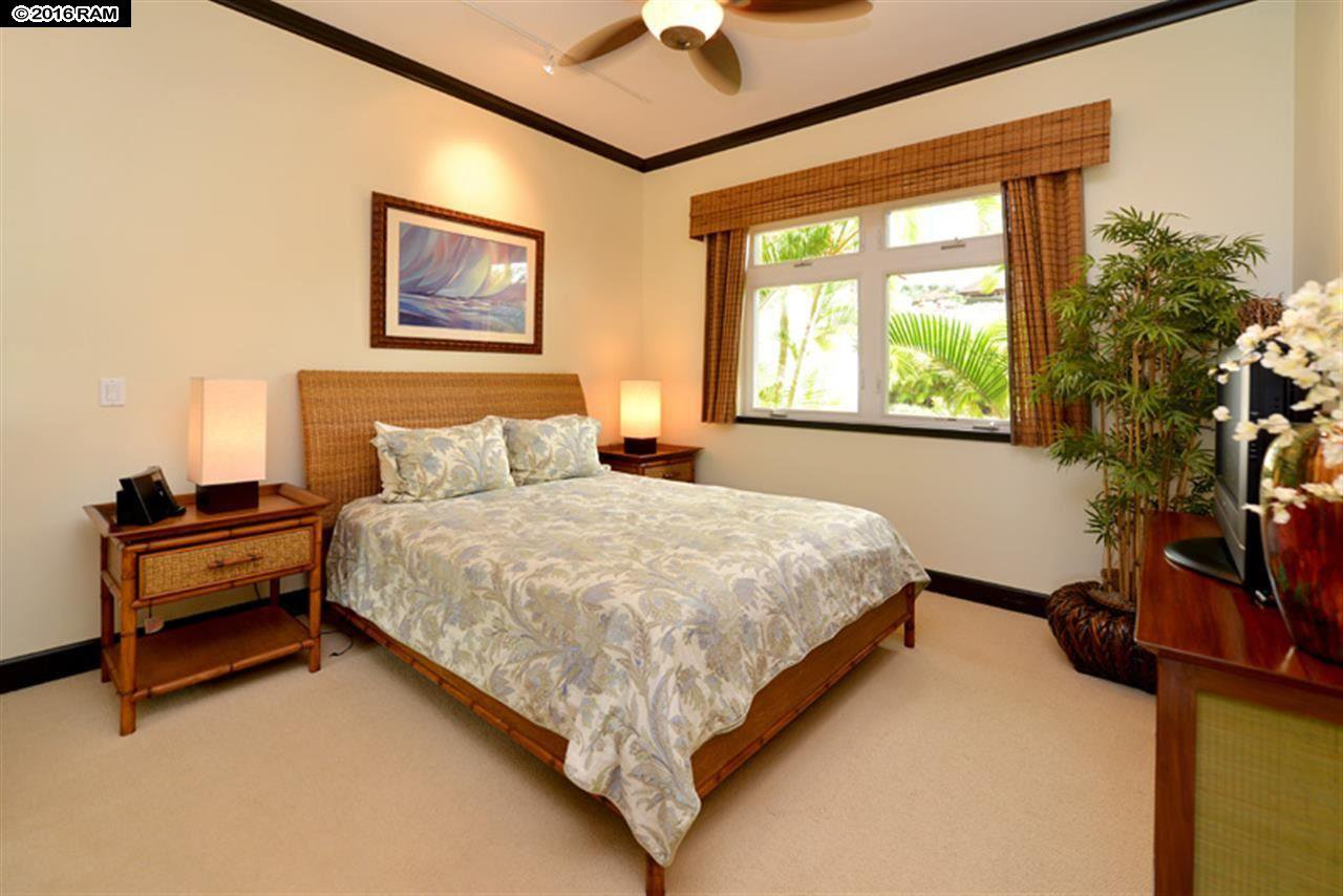 paia big and beautiful singles Mangolani inn is a beautiful air conditioned north shore home within walking distance to some of maui's best beaches, restaurants and shops in the historic plantation town of pa'ia.