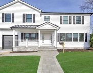 8 Piper  Place, Old Bethpage image