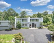 7 Saddle  Court, Oyster Bay Cove image