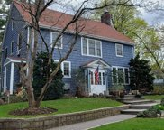 24 Red Brook  Road, Great Neck image