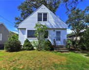 80 Holcomb  Street, West Haven image