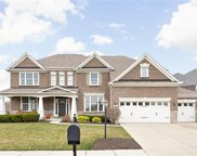 2712 High Grove  Circle, Zionsville image
