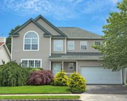 188 Cranberry Ct, Melville image