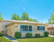 8111 Gross Point Road, Morton Grove image