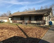 1013 Robin, Archdale image