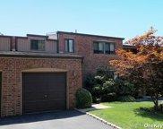 34 Windsor Gate  Drive Unit #34, North Hills image