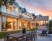 9455  Readcrest Dr, Beverly Hills image