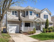10 Brixton Rd, Old Bethpage image