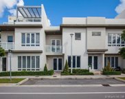 6437 Nw 104th Path, Doral image