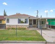 438 W Marengo, Shafter image