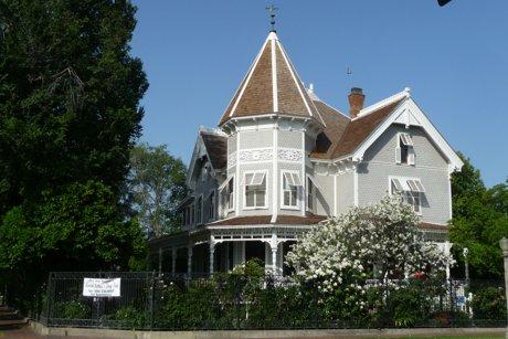 Fresno's Meux Home