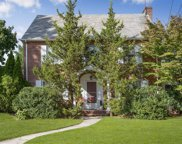 546 Ardsley Blvd, Garden City image