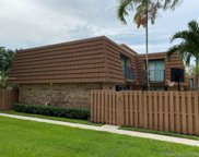2542 Camelot Ct Unit #2542, Cooper City image