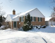 940 Echo Lane, Glenview image