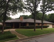 2600 Winding Oaks, Arlington image