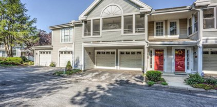 205 Country Place Dr, Lancaster