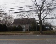 568 Gardiners Ave, Levittown image