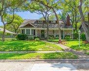 2538 Beechmont Drive, Dallas image