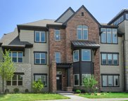 694 Parkside Court, Libertyville image