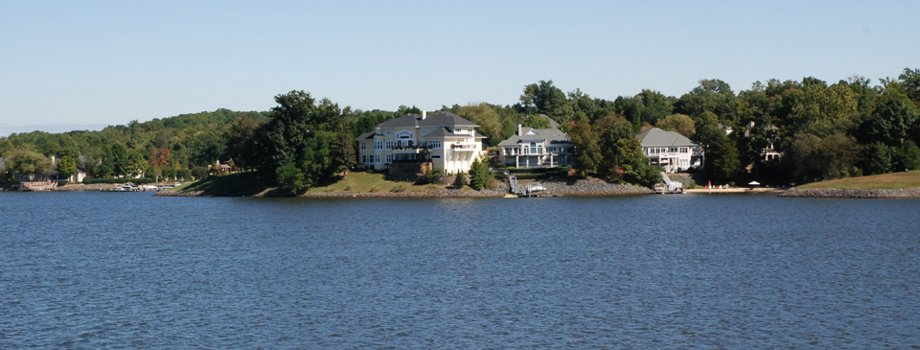 Lake Wylie Homes - Homes,condos and land for sale in Mecklenburg County,Lake Wylie NC SC area.