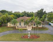 8244 Sw 176th Ter, Palmetto Bay image