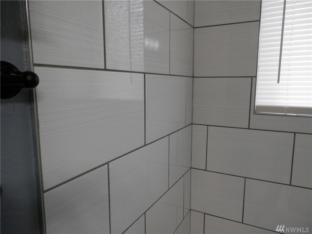 bathroom with wood tile 17216 13th av ct e spanaway wa spanaway 17216