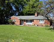 2082 LAKESHIRE, West Bloomfield Twp image