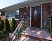 573 Northern Pkwy, Uniondale image