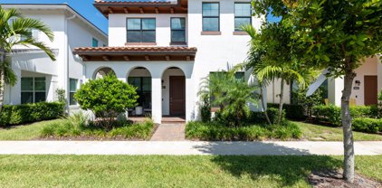 8047 Hobbes Way, Palm Beach Gardens