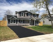 15 Grapevine Road, Levittown image
