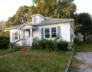 424 Sweezy Ave, Riverhead image