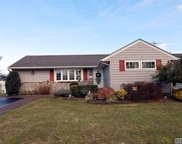 65 Cheshire Rd, Bethpage image