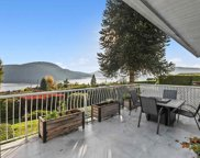 674 Roslyn Boulevard, North Vancouver image